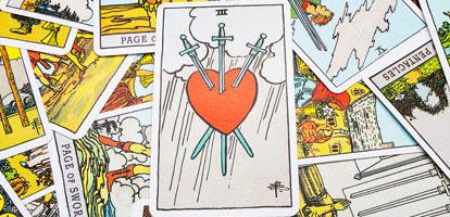 El Tarot y el Amor: ¿Cómo Funcionan Juntos?