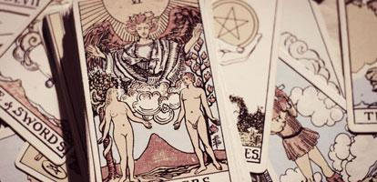 El Tarot y la Astrología, ¿Son lo Mismo?