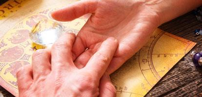 Quiromancia - El Arte de Interpretar la Vida a Través de las Manos